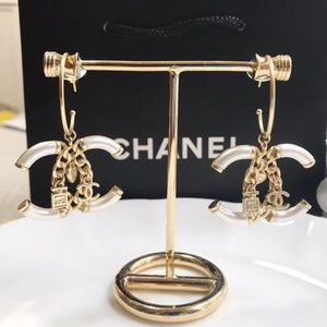 CHANEL Jewelry - Earrings